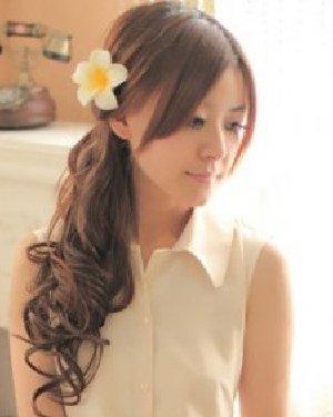 小脸女生发型设计 10款扎发甜美减龄