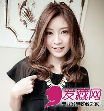 9款发型一样好看 →长脸女生适合的发型 韩式中分长直发发型 →带点随图片