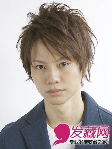 男士锡纸烫发型七: 三七分的刘海起到很好修饰脸型的作用,随意的曲图片