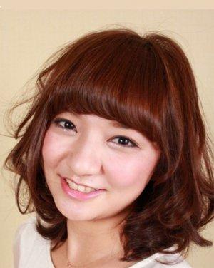 女生中发发型 陶瓷烫发发型设计