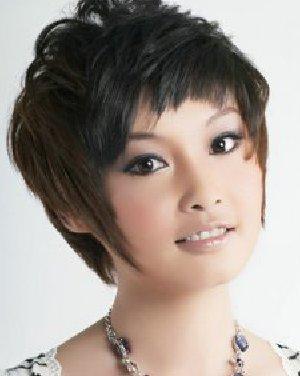 女生圆脸发型攻略 俏丽卷发搭配圆脸型