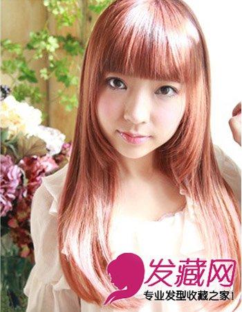 齐刘海直发发型 修饰脸型也不失时尚感图片