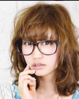 女生蓬松发型图片 可爱的女生蓬松波波头发型