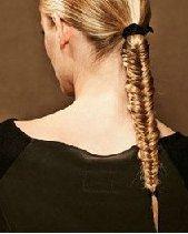 蜈蚣辫+马尾辫完美度假风 长发怎么扎好看