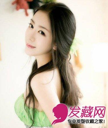 尽显淑女范,半扎公主头发型层次发丝灵动有型,散发出公主范的甜美可爱