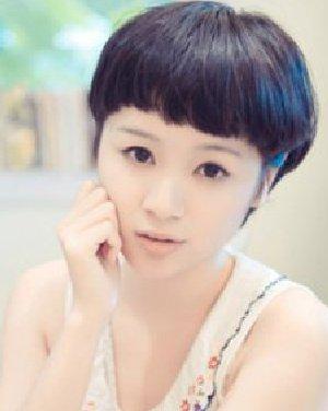 女生短发发型 齐刘海的蘑菇头短发发型(4)图片