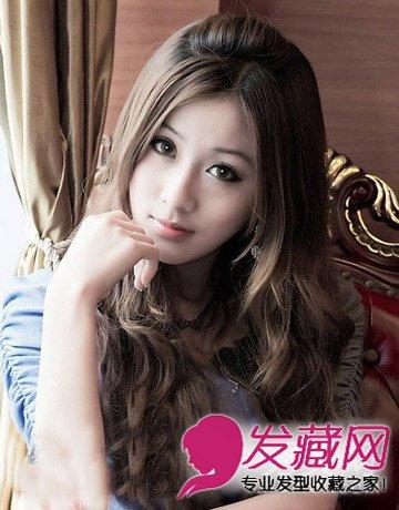 > 齐刘海卷发发型 时尚卷发窄额头必修(7)  导读:无刘海 卷发发型 这