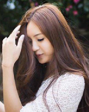 圆长脸女生最佳发型 非常美腻了女生中发发型(3)图片