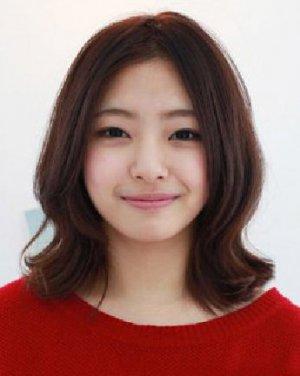 脸大适合什么发型 带点韩式可爱风情中短发造型