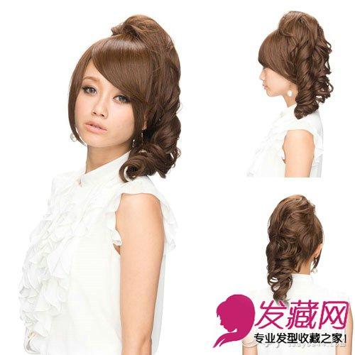 斜刘海修颜瘦脸,两卷棕色卷发俏皮可爱,减龄效果明显,有一种无辜