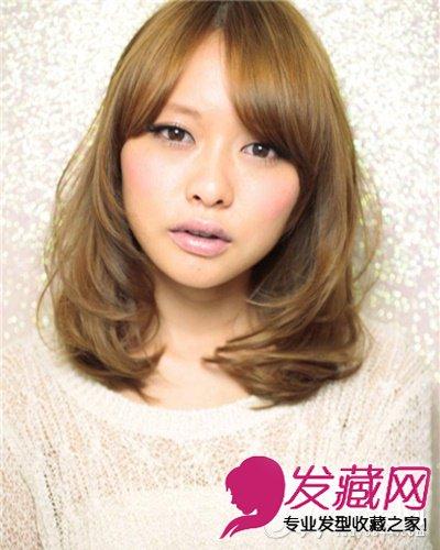 发型网 女生发型 女生卷发发型 > 气质中发发型设计 微卷发稍中发甜美