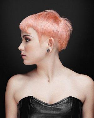新潮女生不规则另类短发发型 另类惹眼显魅力