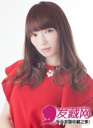 齐刘海长发发型图片 发尾内扣长直发发型(3)