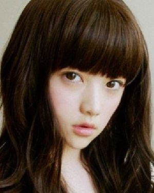 唯美韩国女生发型 齐刘海芭比烫发型