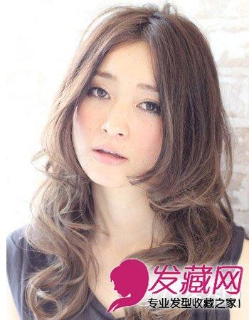 半露额的中分长发梨花头发型 寒冬演绎熟女feel(2)