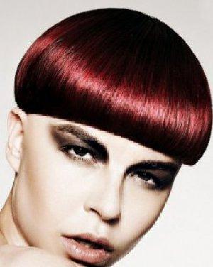 锅盖头发型图片 酒红色锅盖头色彩绚丽吸睛