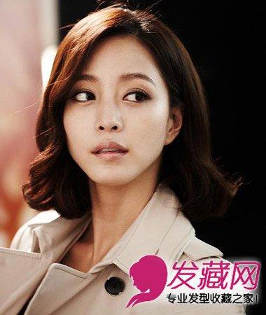齐刘海短发烫发发型 时尚减龄最流行短发(8)