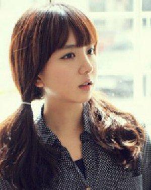 简单甜美韩式发型扎法 韩式扎发时尚简约