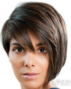 30岁女人发型 短发造型更显优雅