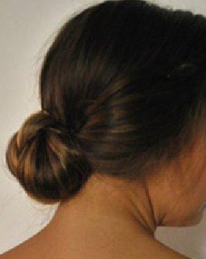 辫子低发髻发型 古典发髻扎法超
