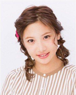 超人气双辫子发型盘点,可爱双马尾扎发配上甜美麻花辫,让你在春日里