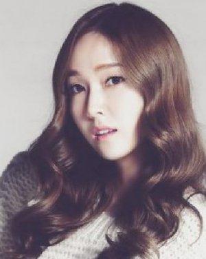 2015最新韩式女生烫发 时尚气质立显V脸
