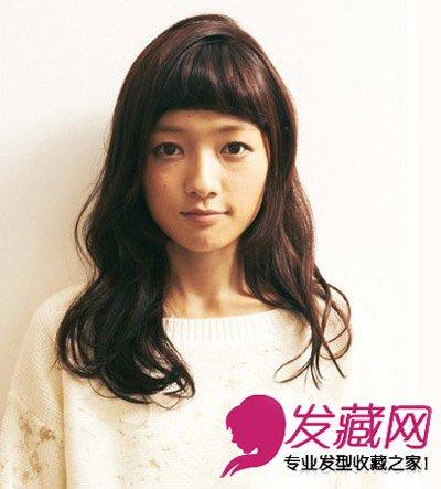 发型网 发型设计 直发发型 > 最新女生发型与脸型搭配 中长发女生直发图片