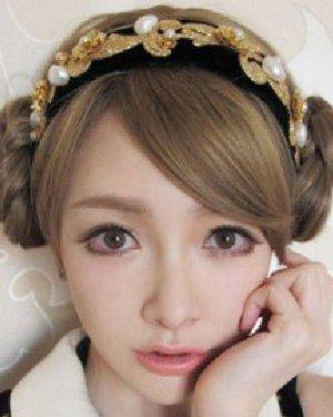 适合萌萝莉打造的一款韩式发型扎法 气质扎发名媛范图片