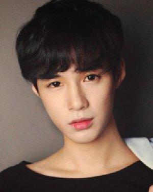 韩国男生短发自然可爱 简单帅气变美男