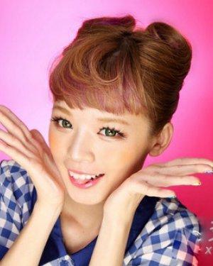 图解韩式猫耳朵发型扎法 圆鼓鼓的造型俏皮可爱图片