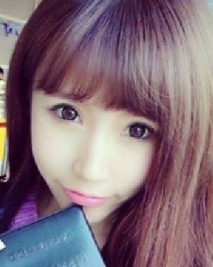 甜美韩式齐刘海直发发型搭配 各种脸型都能用