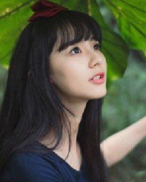 齐刘海长直发发型 圆脸女生最适合直发发型