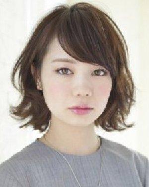 日系蓬松卷发发型 简单短发胖圆脸超有型