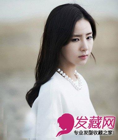 中长发发型 9款胖女孩适合的发型 →齐刘海长直发发型 圆脸女生最适