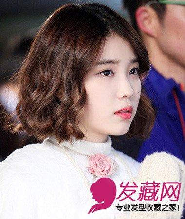 学国民妹妹李智恩短发 蓬松自然的韩式短卷发发型图片
