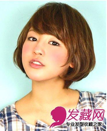 2015短发发型图片女 中分刘海短发显瘦      小编点评:内扣的发尾同图片