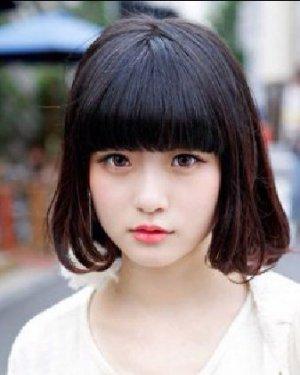可爱呆萌的齐刘海短发发型 矮个女修颜首选