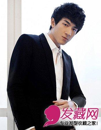 王俊凯萌帅发型图片 00后更具人气