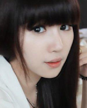 什么发型最显脸小 小清新齐刘海发型图片