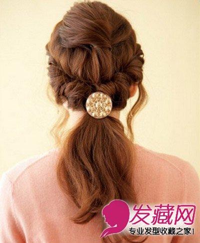 韩系女生最爱的扎法图解 丸子头的扎法图解 →长发妹必学编辫子发