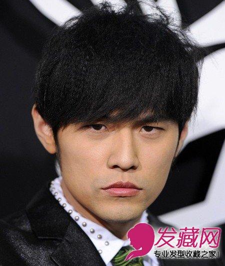 剪什么刘海好看      这款周杰伦 发型,斜刘海修饰了长脸,而玉米烫的图片