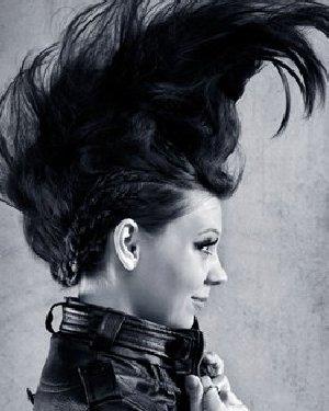 自然卷淑女头款款惊艳 极富人气的淑女风发型