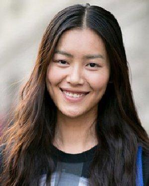 迷恋卷度明显的大卷发 中美韩女星PK