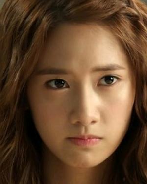 韩式泡面头发型 泡面头代表人物:林允儿