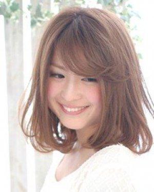 日本流行的亚麻色中短发发型 尽显女人味