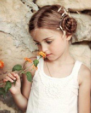 小女孩发型绑扎方法 欧美小女生发编发盘发发型