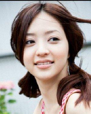 日系纯美校园发型 清新可爱的校园发型