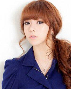 韩国女生扎发发型 纯美减龄时尚范