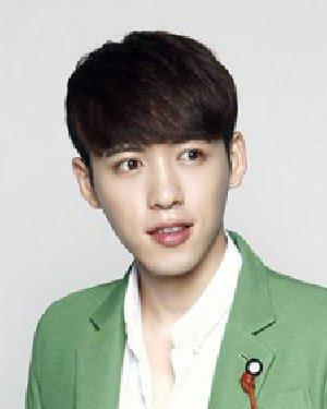 > 韩国男童发型图片