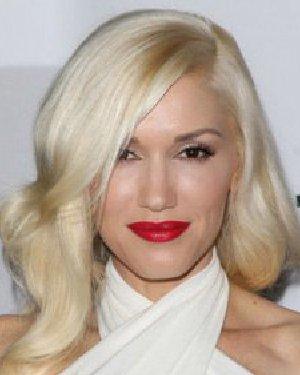 女星示范初秋10款染发 头发颜色接近银白色图片